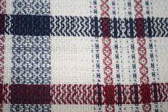 marchures sergé 1-2 , 2-3 , 3-4 , 4-1 , 3-4 , 2-3 tissage sergé :1-2 , 2-3 , 3-4 , 4-1 , 3-4 , 2-3 Le m... Weaving Designs, Weaving Projects, Weaving Patterns, Dish Towels, Tea Towels, Card Weaving, Weaving Techniques, Artisanal, Handicraft