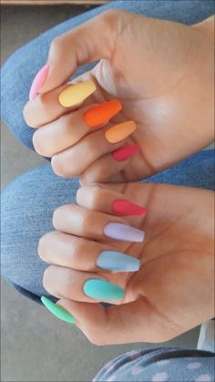 The Most and Glamorous Nail Art Designs For Girls Round nails art is so nice! That's why we found the best nails to motivate you and take you to the local nail salon as… Summer Acrylic Nails, Best Acrylic Nails, Summer Nails, Nails Summer Colors, Summer Holiday Nails, Acrylic Nails Pastel, Colorful Nails, Nail Colors, White Nail Designs