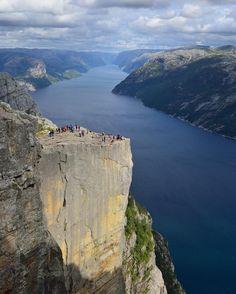 Sieh dir dieses Instagram-Foto von @norwegianfjords an • Gefällt 1,596 Mal
