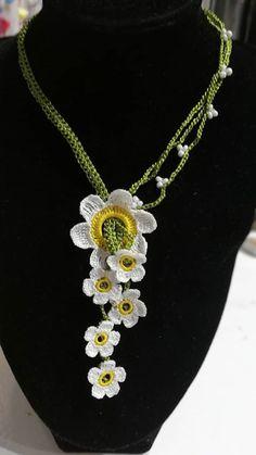 Crochet Bracelet, Crochet Earrings, Moda Emo, Maquillaje Halloween, Birthday Gifts, Pendant Necklace, Bracelets, Flowers, Pattern