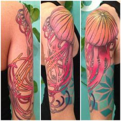 Jellyfish! Love the art-nouveau tentacles, and the geometric water in the background. By Briana at Buju Tattoo in San Diego