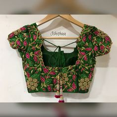 Heavy embroidered bridal blouse from Ishithaa Design House ! South Indian Blouse Designs, Pattu Saree Blouse Designs, Fancy Blouse Designs, Bridal Blouse Designs, Neckline Designs, Simple Embroidery, Hand Embroidery, Embroidery Designs, Creative Embroidery