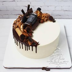 Learn how to make drip cakes here Food Cakes, Cupcake Cakes, Birthday Cake For Him, Men Birthday Cakes, 25th Birthday, Liquor Cake, Alcohol Cake, Enjoy Your Meal, Indian Cake