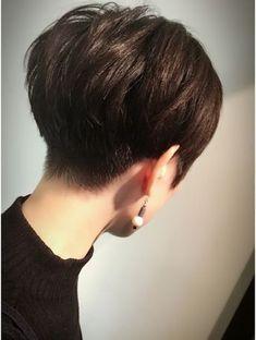 Elegante Frauen Frisuren Brunette Ideen ク air ブ ア (kubu hair) 《Kubuhair》》 大人 モ ー ド シ ョ ー # Short Brown Hair, Short Curly Hair, Short Hair Cuts, Curly Hair Styles, Back Of Short Hair, Pixie Long Bangs, Edgy Short Hair, Cute Hairstyles For Short Hair, Pixie Hairstyles
