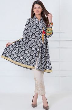 Stitching Styles Of Pakistani Dresses Grey Angrakha Style Pakistani Fashion Casual, Pakistani Dresses Casual, Pakistani Dress Design, Indian Fashion, Stylish Dress Designs, Stylish Dresses, Casual Dresses, Fashion Dresses, Girls Dresses