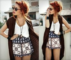 Love Her entire outfit - sunglasses, skort, jacket, necklace, white shirt & HAIR! #fashion #trendy #style