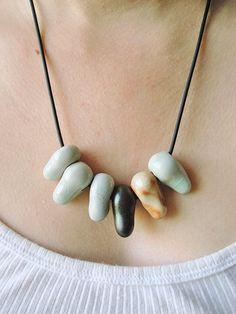 Fang tranquille  Collier de perles en céramique par digoyo sur Etsy, $70.00