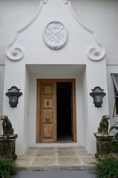 Cape inspired entrance