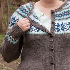 I am unreasonably proud of this one, the pattern is Nancy kofte by Sandnes garn in hefte 43 kofter. It is knitted in Sandnes Peer Gynt. a Norwegian wool yarn. Cardigan Sweaters For Women, Sweater Cardigan, Men Sweater, Women's Cardigans, Wool Yarn, Knitting, Pattern, Projects, How To Make