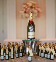 Featured Photographer: Binaryflips Photography; Wedding favor idea.