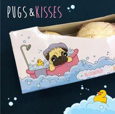 """Set 3 koupelových koulí """"PUGS AND KISSES"""" Mopslík, s vůní Passion Fruit, Hruška a Broskev #mopslik #pug #puglife #bathbombs #giftideas"""