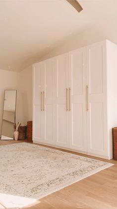 Ikea Wardrobe Closet, Bedroom Built In Wardrobe, Closet Bedroom, Wardrobe Handles, Closets, Bedroom Cupboard Designs, Room Design Bedroom, Ikea Bedroom, Home Decor Bedroom