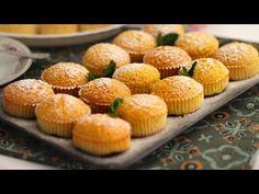 Fondant Cakes, Cupcake Cakes, Hispanic Dishes, Pan Dulce, Xmas Food, Bread And Pastries, Mini Cheesecakes, Small Cake, Almond Cakes