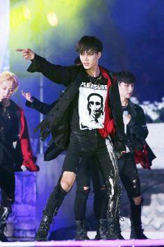 EXO | Kim Jong In ❤ ( kai ) | tumblr Kai Exo, Exo Chen, Suho Exo, Kris Wu, Kim Jong In, Chinese Boy, Young And Beautiful, Attractive Men, Taemin