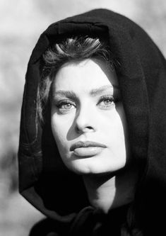 Available now at: www.etsy.com/shop/vintageimagerystore Sophia Loren, Prints For Sale, Mona Lisa, Game Of Thrones Characters, Artwork, Fictional Characters, Shop, Etsy, Work Of Art