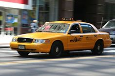 Ford Crown Victoria - New York Taxi.