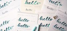 Quel papier utiliser pour la calligraphie et le brush lettering ? Test & comparatif - Calligraphique - Le Studio Papier Paint, Or, Articles, Bullet Journal, Lettering, Bristol Board, Modern Calligraphy, Arches Watercolor Paper, Feather