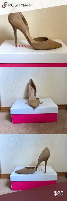 NWT•• BRAND NEW, IN THE BOX! Sand Colored Pumps NWT•• BRAND NEW, IN THE BOX! Sand Colored Pumps. Size 8 JustFab Shoes Heels