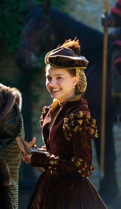 Natalie+Portman+as+Anne+Boleyn+in+The+Other+Boleyn+Girl+%282008%29.3.jpg (927×1600)