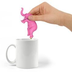 Fred and Friends Big Brew Tea Infuser Perch this perky pink pachyderm in your cup and enjoy perfectly brewed tea. Big Brew is guaranteed to bring big smiles. Made of soft, food-safe silicone. Tea Strainer, Tea Infuser, Small Tea, Tea Packaging, Brewing Tea, Pink Elephant, How To Make Tea, Loose Leaf Tea, Creative Gifts