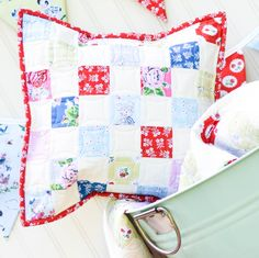 A fun checkerboard pillow cover made with Elea Lutz' Strawberry Biscuit fabric collection #ilovepennyrose #fabricismyfun