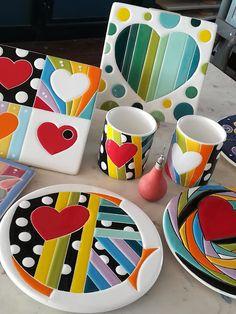 Ceramic Tile Art, Ceramic Painting, Mosaic Art, Ceramic Pottery, Diy Bag Painting, Ceramica Artistica Ideas, Cerámica Ideas, Paisley Art, Teen Art