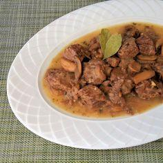 Μοσχάρι Λεμονάτο με μανιτάρια | Cookos Pot Roast, Beef, Ethnic Recipes, Food, Carne Asada, Meat, Roast Beef, Essen, Meals