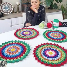 Best 12 Crochet on the Double Mile-a-Minute Christmas Afghan – Mile-a-Minute Afghan – SkillOfKing. Crochet Placemats, Crochet Table Runner, Crochet Dishcloths, Crochet Doilies, Diy Crafts Crochet, Crochet Home, Crochet Projects, Knit Crochet, Handmade Crafts