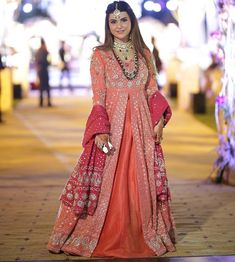 This peachy embellished outfit is a statement piece and bride's sister has carried it to perfection on mehndi last night. Indian Long Dress, Indian Dresses, Indian Suits, Indian Wear, Pakistani Wedding Dresses, Indian Wedding Outfits, Ethnic Fashion, Indian Fashion, Women's Fashion