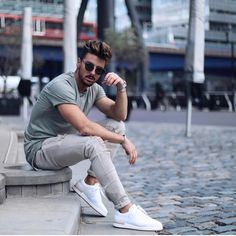- with a summer outfit idea with a sea green t-shirt gray distressed denim no show socks white sneakers sunglasses watch wrist accessory Best Poses For Men, Good Poses, Mens Poses, Photo Pose For Man, Mens Photoshoot Poses, Male Models Poses, Moda Blog, Portrait Photography Poses, Men Fashion Photography