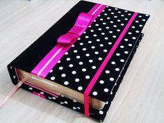 Livro com capa removível em cartonagem com duas cores de tecido 100% algodão…