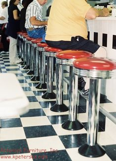 counter_stools.jpg 1000×1376 pixelů