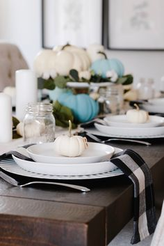 Putting together a Fall tablescape may seem like a daunting task, but it doesn't have to be overly complicated, you just need these five items!