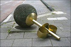 Urban Street Art: Jewelery for Giants pics) - My Modern Metropolis by Liesbeth Bussche. Street Marketing, Guerilla Marketing, Urban Street Art, Urban Art, Urban Decor, Urban Jewelry, Jewelry Art, Jewellery Box, Photoshop