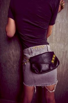 A fanny pack that's actually fashionable! ..if you know me, you know I love a good fanny!! ;)