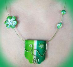 Collier fantaisie tons verts : Collier par sofymo