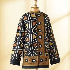 This jacket is no longer shown on the Smithsonian Museum Store site.  Here's a link to another Mudcloth patterned jacket: http://www.smithsonianstore.com/clothing-accessories/womens-clothing/reversible-african-mudcloth-jacket-25519.html