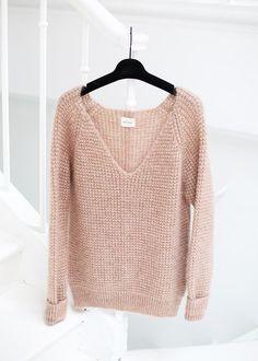 Sweater color palo de rosa.