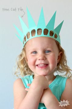 Remember the free printable Statue of Liberty Crown that we shared last year? Read moreEasy Statue of Liberty Crown Patriotic Outfit, Patriotic Crafts, Patriotic Party, July Crafts, Statue Of Liberty Crown, Liberty Kids, Crown Crafts, American Symbols, Independence Day