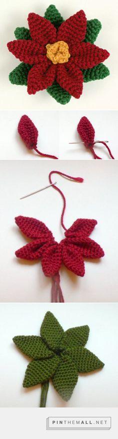 Huge #Crochet Poinsettia for your #Christmas table or door. Enjoy from #KnittingGuru