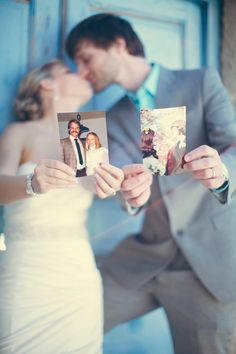 bride and groom holding pictures of their parents on their wedding day!