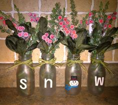 Starbucks Frappucchino bottles. I altered the pin I saw on Pinterest to match my kitchen decor, and my love for snowmen! These look so cute on my countertop in my kitchen. Starbucks Bottle Crafts, Starbucks Bottles, Christmas Cookies, Christmas Ideas, Snowmen, Countertop, Paint Colors, Kitchen Decor, Glass Vase