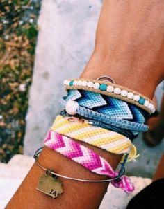 Darling Make Alphabet Friendship Bracelets Ideas. Wonderful Make Alphabet Friendship Bracelets Ideas. Bracelets Design, Thread Bracelets, Embroidery Bracelets, Braided Bracelets, String Bracelet Designs, Summer Bracelets, Cute Bracelets, Summer Jewelry, Ankle Bracelets
