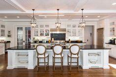 La cuisine de la luxueuse villa de Los Angeles de Sarah Michelle Gellar.