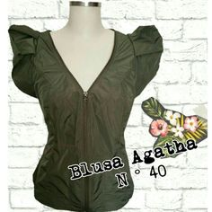 Blusa Agatha  N ° 40  #brecho #uohbrecho #agatha #skirt #brechovirtual #moda #instagood #instafashion #pretty #girly #girl #girls  #shoppingonline  #cool #picoftheday  #sustentabilidade #euquero #good Made with @nocrop_rc #rcnocrop