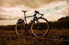 ARK bike. Photo:@xxorrtizz #colombiaphotography #colombiafixed #new #topcolombiaphoto #colombia  #bogotaphotography #bogotafixed #fixieporn… Bike Photo, Ark, Photography, Instagram, Bicycles, Colombia, Fotografie, Photography Business, Photo Shoot