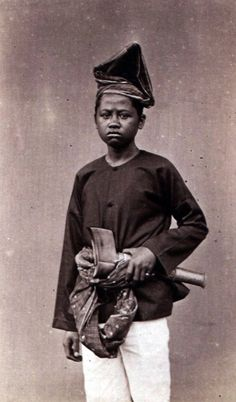 Rais Monoarfa, The Prince of Kerajaan Gorontalo, posing in 1870, later he became djogugu kota, died in manado