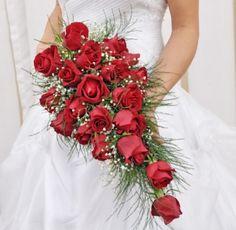 modelos de buque de flores para noivas com rosas vermelhas