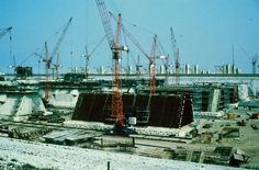 DWW deltawerken bouw van de pijlers van de stormvloedkering in de Oosterschelde in de bouwput