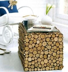 DIY a rustic wood table tutorial; I like this, but I think I would use the cut side as the top of the table, maybe with a clear glass on it. Diy Wood Projects, Home Projects, Wood Crafts, Diy Crafts, Garden Projects, Homemade Crafts, Decoracion Low Cost, Diy Casa, Into The Woods